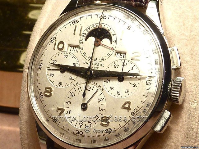 Universal Genve Tri-Compax Triple Calendar Moon Phases Chronograph