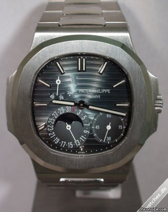 Patek Philippe Nautilus - 5712/1A