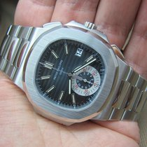 Patek Philippe Nautilus Chronograph 5980/1a Grey Dial   Mint