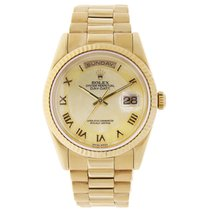 Rolex DAY-DATE 36mm Yellow Gold Watch Champagne Dial 2003