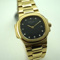 Patek Philippe 4700  Nautilus ladies solid 18k gold c.1990&#39...