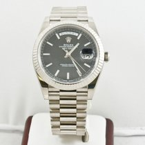 Rolex Mens 40mm White Gold Day Date 228239